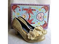 IRREGULAR CHOICE CREAM & GOLD LOW HEEL SHOES BRAND NEW IN BOX BOX SIZE 8