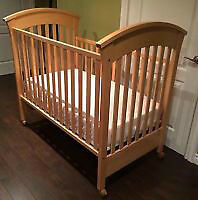 Morigeau Lepine Natural Maple Crib