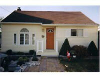 Cute, Cozy and in Family Friendly Bayview School Area!!!!