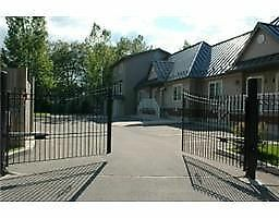 3BR Town Home in Secure Gated Enclave - Wasaga Beach