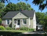 Students! Spacious 5 bedrooms house - $395/bedroom