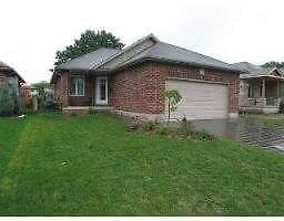 Large 3 Bedroom, 3 Bathroom House for rent in strathroy