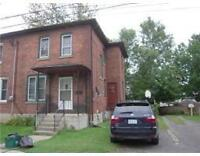 Central 3 Bedroom Duplex With Large Backyard