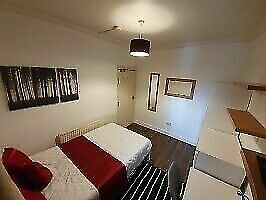 Fully furnished Double room, 3 min to the central line 🚇 ALL BILLS INC with a large Garden🌳