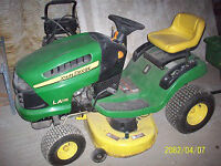 JOHN DEERE series 100 Tractor and Trailer with 42 inch Deck