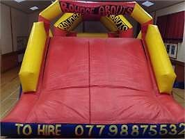 Bouncy castle inflatable assault course