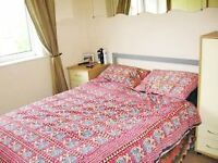 SUPER 1 BEDROOM FLAT IN NORTHOLT WITH PARKING!! COME VIEW TODAY!! UB5