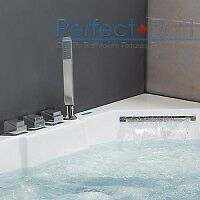AM 156 - Whirlpool Bathtub for Two People Stratford Kitchener Area image 2
