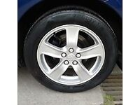 Toyota Avensis mk3 t3x 16inch alloy wheels and tyres for sale £175