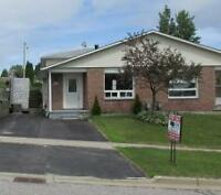 Great value for 3 bedroom home in Elliot Lake! Try an offer tdy!