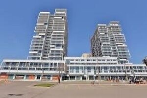 Spectacular 1 Bed/ 1 Bath Condo in Great Location,Rarely Offered