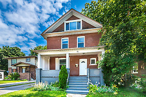 5 bedroom house for sale in oshawa