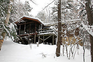 ░WINTER WKEND░-HOT TUB, SAUNA, WOOD FIREPL, TOBOGGAN HILL, SKATE