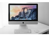 21.5 inch Apple iMac (late 2009) with wireless keyboard and magic mouse