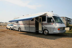 Mid 90's And Up Upscale Motorhome...Newmar, Monaco, etc.