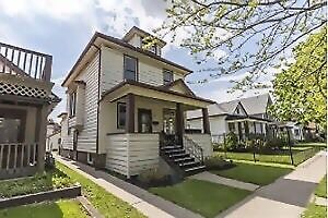 4 bedroom Victorian for rent in walkerville-1600$ plus. May 1st