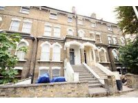 3 bedroom flat in Ospringe Road, Kentish Town