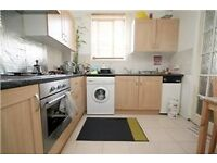 Modern & Spacious 1x double bedroom 1st Floor flat located 5 mins walk to Perivale Tube Station.