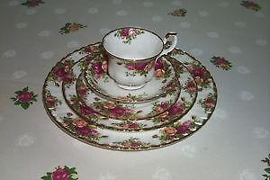 Royal Albert Old Country Rose 5 Piece Setting