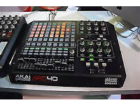 AKAI APC40 MIDI CONTROLLER ,MINT CONDITION, USED LESS THAN 20 TIMES, WITH BOX AND LEADS
