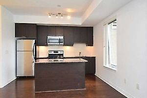 IMMACULATE ONE BEDROOM NICE CONDO AT SQUARE ONE, MISSISSAUGA !!