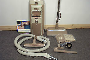 ELECTROLUX VACUUM CLEANER AP200 MODL W/POWER NOZZLE 1YR WARRANTY