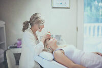 Train with Registered nurse and learn eyelash extensions