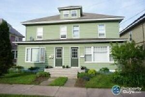 Charming 2 bedroom apartment in Triplex /Oct. 1st