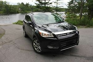 2013 Ford Escape SEL 4WD, EcoBoost Fully Loaded & MORE!