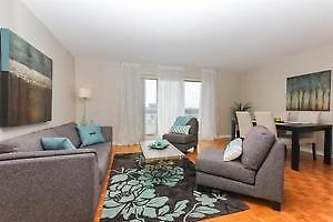 Pointe Claire By The Water-Bright-Renovated 3 ½ -Dazzling Views