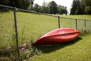 YOUR OLD, UNWANTED CANOES FOR CASH !!