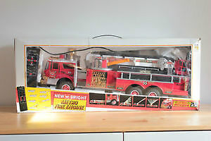 """Huge 26"""" Radio Control Metro Fire Truck by New Bright Like New"""