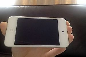 iPod Touch 4, 8 Gig