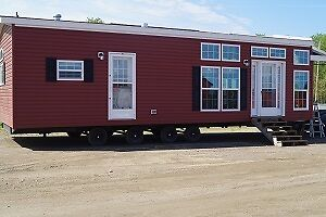 Great portable cabin for a lake      Park Model  14' x 38'