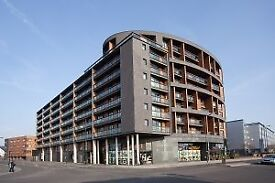 SPACIOUS 1 BED APARTMENT IN HALLSVILLE ROAD,THE SPHERE,CANNING TOWN.PRIVATE BALCONY AND 24 H CONC!!