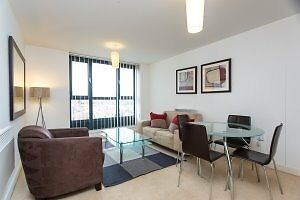 STUNNING 1 BED THE SPHERE CANNING TOWN E16 CANARY WHARF ROYAL VICTORIA STAR LANENEWHAM
