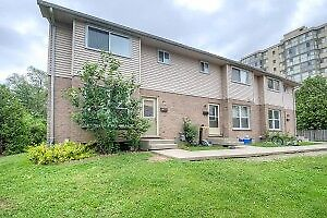 $1,250 – 3 Bed / 1.5 Bath townhouse Wharncliffe rd S