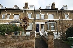 Large 1 bed flat, with private garden SE13