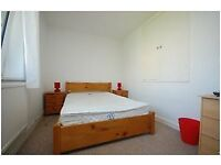 3 bedroom flat in St Vincent house, Borough