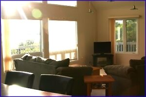 Large Luxury Cottage Upstair including Electrical and Propane Peterborough Peterborough Area image 3