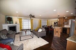 3 Bedroom upper level house on upper college heights
