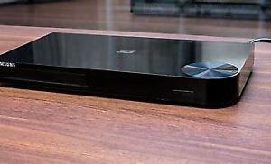 Samsung Blu-ray 3D Disc Player with remote - Like New