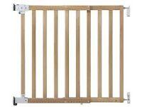 Safety 1st Wall Fix Wooden Extending Gate (Natural) min 63cm-max104cm