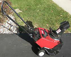 TORO powerlite 3HP snowblower w/ electric start