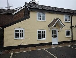 One bedroom character cottage for rent, Crawley Road, Roffey (north Horsham) - available immediately