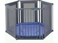 Lindam Playpen/room divider sturdy, well looked after. from birth onwards