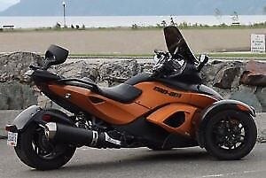 2011 Can-Am Spyder RSS with Madstad adjustable windshield