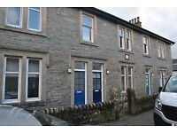 1 Bedroom Ground Floor Flat in Dunoon with Front and Back doors to Rent Available Now