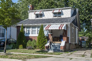 2 Bedroom Apartment for Rent on Main Floor of a Duplex $950