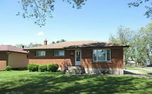 Beautiful Amethyst Crescent Bungalow